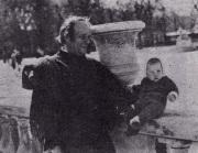 أيلي لوبيل مع ابنه الوحيد