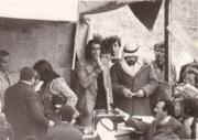 """من الفيلم """"الطريق الصعب الى فلسطين"""" (1978): المحامي محمد كيوان (أبناء البلد , أم الفحم) يخطب"""