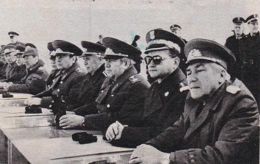 סולידאריות: מפקדי צבאות ברית-וארשה צופים בתמרונים משותפים: חזרה כללית לפלישה?