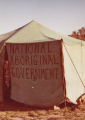 הממשלה הלאומית האבוריג'ינית. מאהל המחאה על גבעת הקפיטול בקנברה.