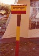 אתם ניצבים על אדמה אבוריג'ינית. שלט במאהל המחאה בקנברה.